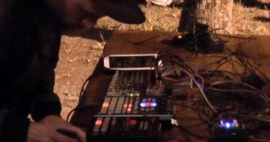 RECORDING#5: Sammartano [LIVE @Musica Nelle Valli #17 #ONGAPALOOZA, Barcsòn Vècc, 28/05/16] Pay no mind to us, we're just a minor threat.
